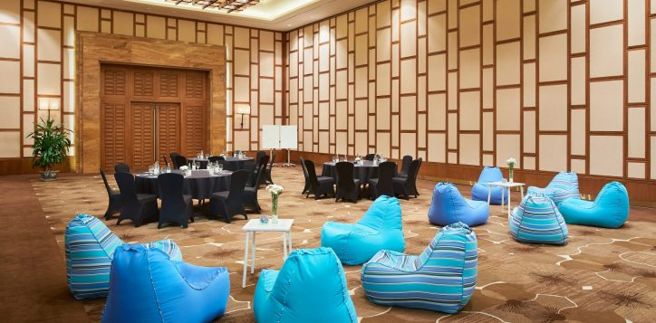 meeting-room-creative-resize-2