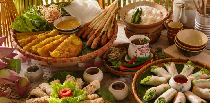 vietnamese-traditional-food-photo-special-event-bubble-beats-and-brunch-pullman-danang-beach-resort-banh-xeo-pancake-lotus-rice-tea-nem-lui-tea-element-2