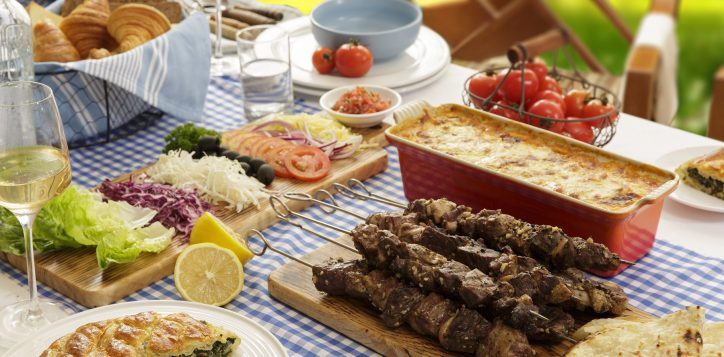 greek-family-feast-2
