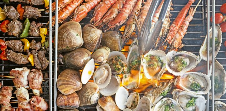 tiec-nuong-hai-san-tuoi-thit-o-bien-fresh-catch-seafood-meat-bbq-buffet-best-seafood-buffet-in-danang-so-diep-bach-tuoc-nuong-xien-nuong-tom-nuong-yummi-restaurant-azure-danang-restaurant-photograph-2