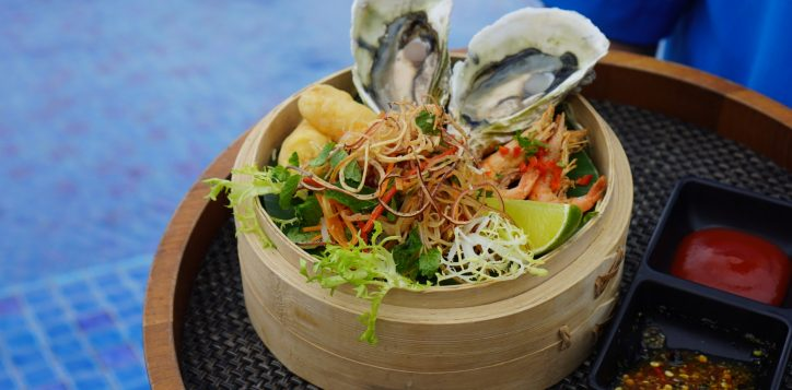 gio-hai-san-seafood-basket-best-buffet-in-danang-sa-lat-viet-nam-vietnamese-salat-restaurant-azure-danang-restaurant-beach-in-vietnam-2