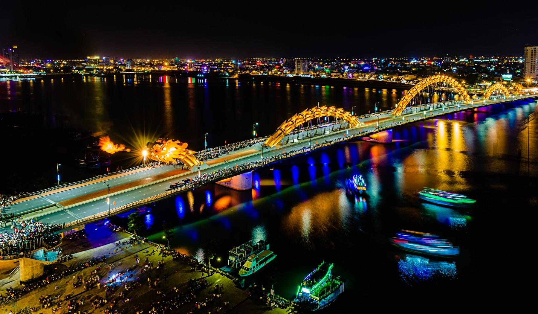 Pullman Danang Beach Resort - Top 4 Cây Cầu Nổi Tiếng Tại Đà Nẵng