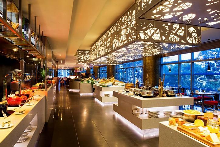 Pullman Saigon Centre Vietnam, Meet & Play, restaurant, rooftop bar