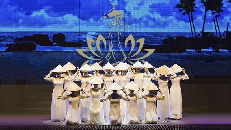 Da-Nang-festival-Pullman-Danang-Biểu-diễn-nghệ-thuật-ở-Đà-Nẵng-Charming-Show-resort-in-Danang-Get-A-Chance-To-Discover-Cultural-shows-in-Danang-and-Hoian