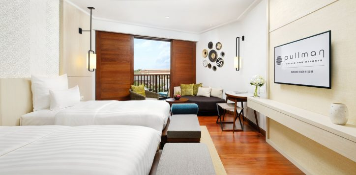 deluxe-twin-room-balcony-pullman-danang-beach-resort-5-starshotel-2