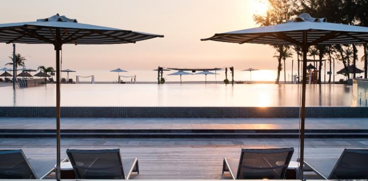 pull-mandanang-beach-resort-2-2